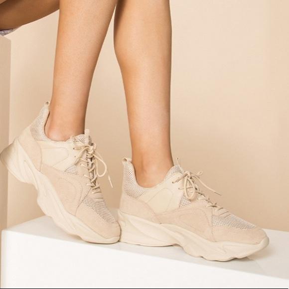 Steve Madden Movement Beige Sneakers Sz